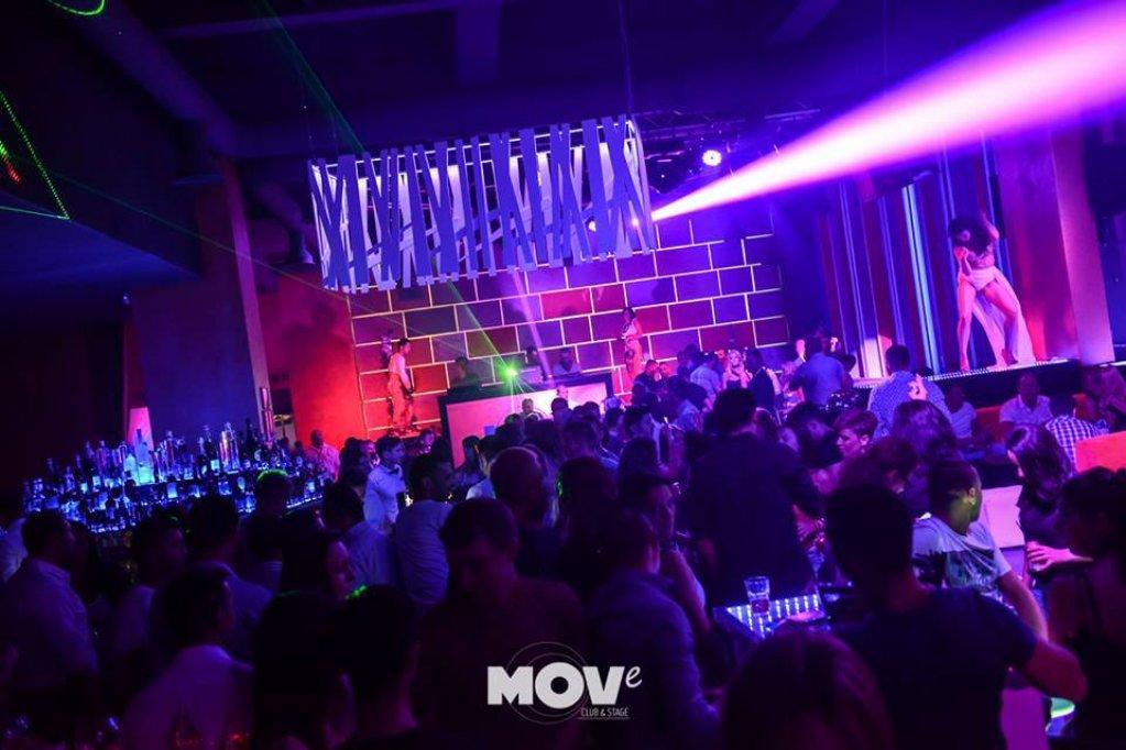 Move Club